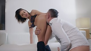 SExual pleasures with a married woman hot to trot for cock