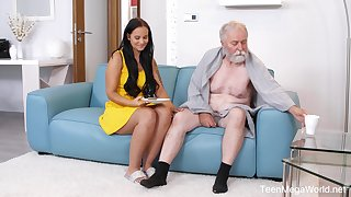 Beautiful sitter Jennifer Mendez gets intimate with a sick senior