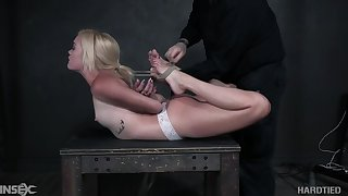 Nerdy blonde spitfire Katie Kush deserves some resemble bondage session