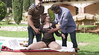 Mature brunette beauty Yasmin Scott pounded hard apart from two guys outdoors
