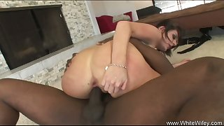 Throbbing Latina With Big Black Blarney in her Wet Asshole
