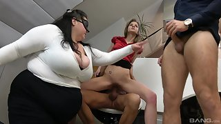BBW shares dramatize expunge dicks with dramatize expunge skinny whore in office orgy
