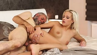 Old impoverish fuck mom xxx Surprise your girlcompanion and she